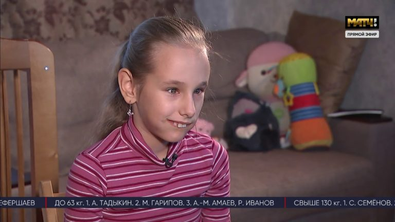 Репортаж о маленькой и смелой девочке, которая играет в хоккей