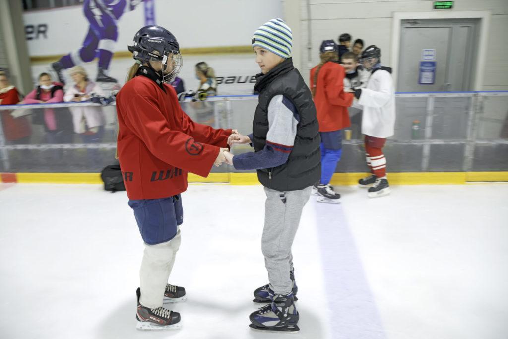 Мастер-класс по специальному хоккею
