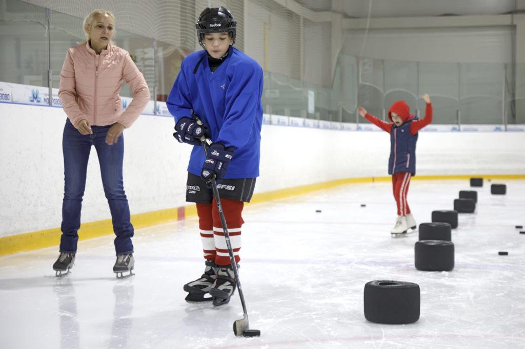 Более 30 ребят посетили открытый мастер-класс по специальному хоккею