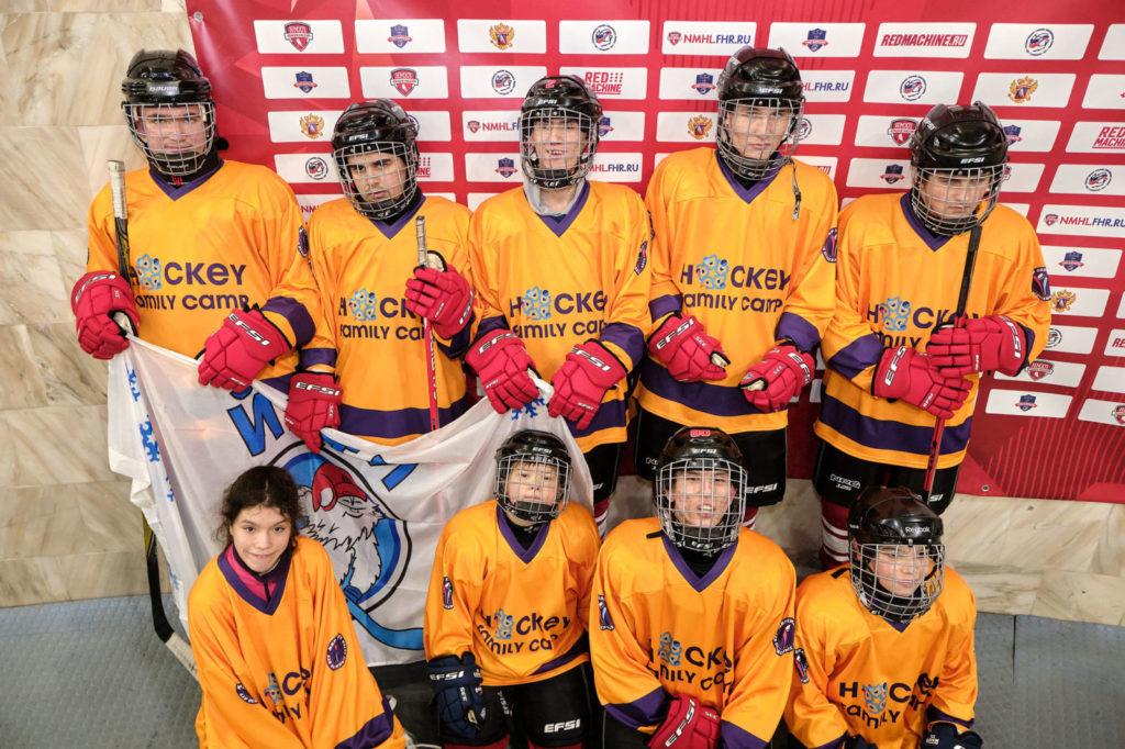 Екатерина Головкина: «В хоккейной форме сын чувствует себя супергероем!»
