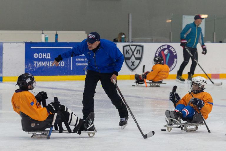 Следж-хоккеисты на летнем интенсиве Hockey Family Camp