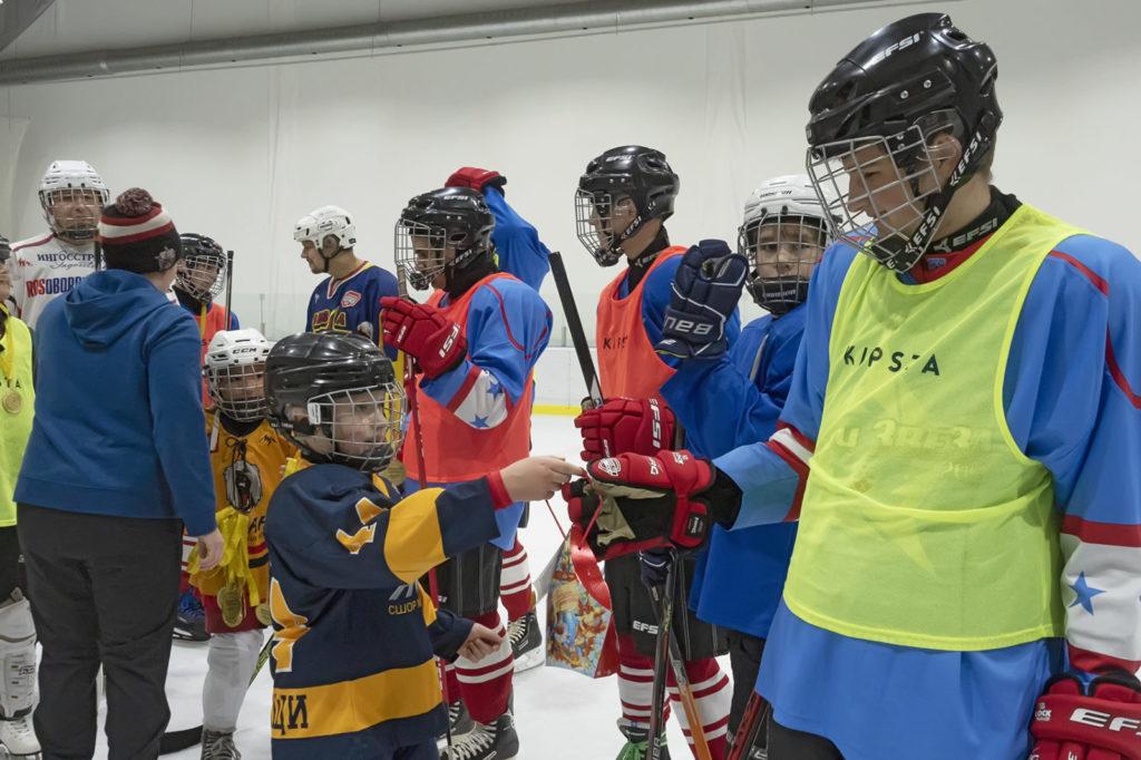 Первый матч по специальному хоккею состоялся в Москве