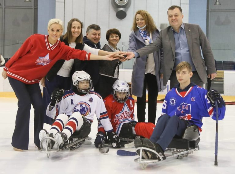 «Легенда 17». Завершились соревнования Ленинградской области по следж-хоккею