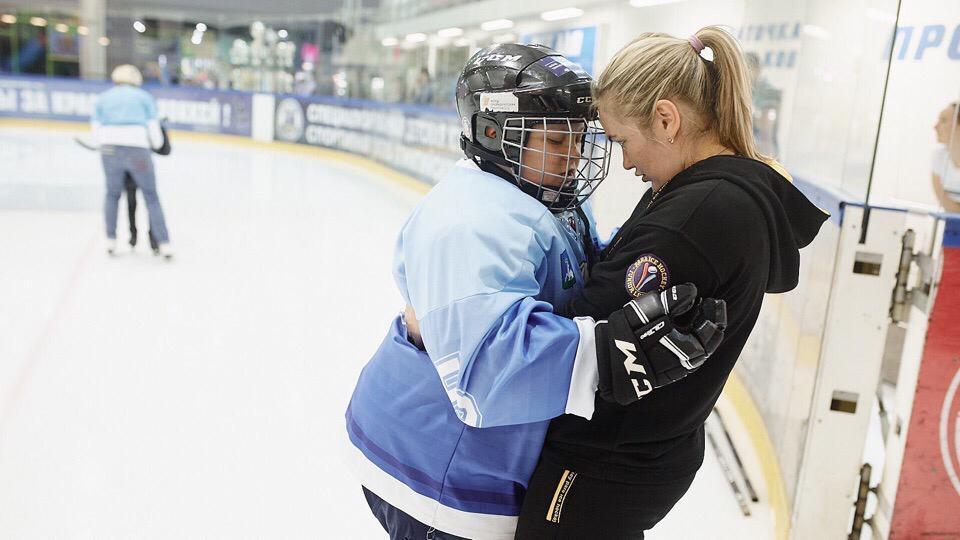Как проходят онлайн-тренировки юных хоккеистов с ментальными особенностями