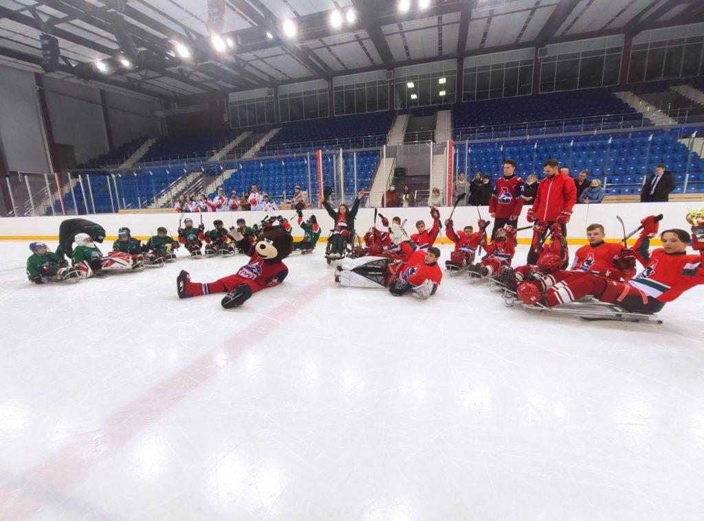 Команда «Локо-следж» встретилась на льду с «Ак Барс Следж»