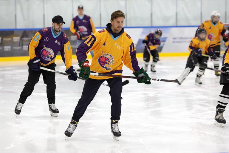 Благотворительная акция хоккеистов NHL и КХЛ
