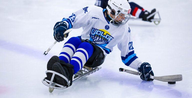 В семи новых регионах России будут открыты хоккейные секции для детей с инвалидностью