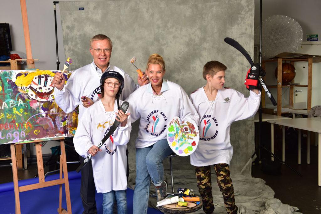 Хоккей - мир ярких красок