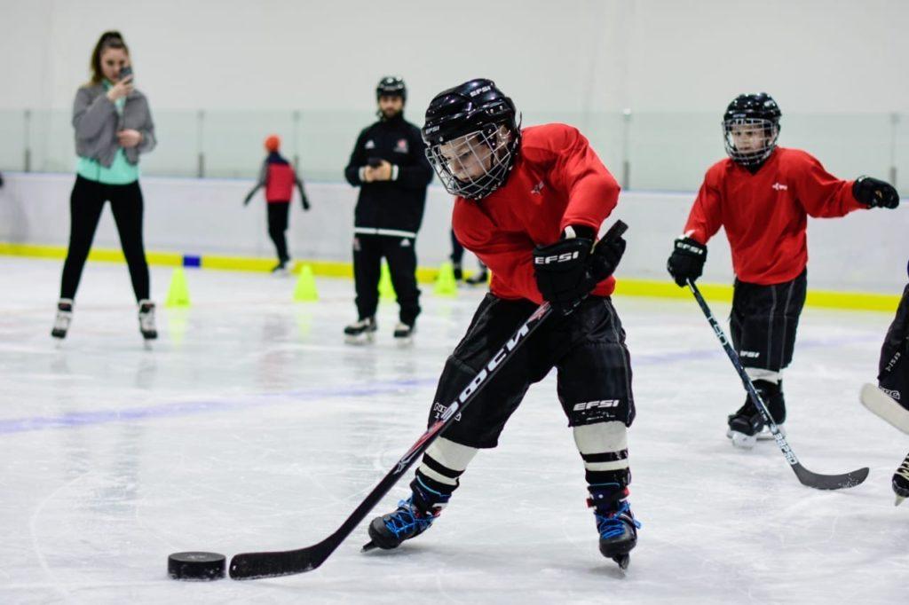 Специалист из Канады Лука ДеМонтис провел тренировку для ребят с нарушениями зрения