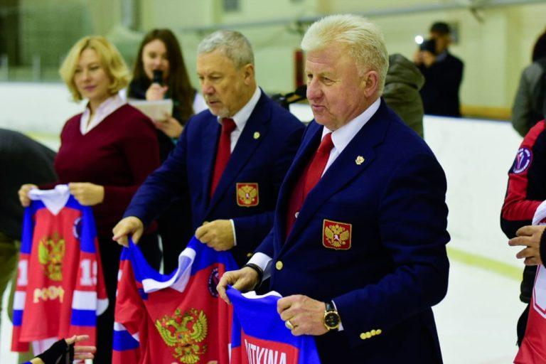 Детскую сборную России по следж-хоккею проводили на международный турнир