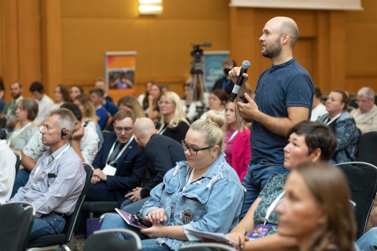 Тенденции развития детского адаптивного хоккея обсудили на международной конференции в Москве
