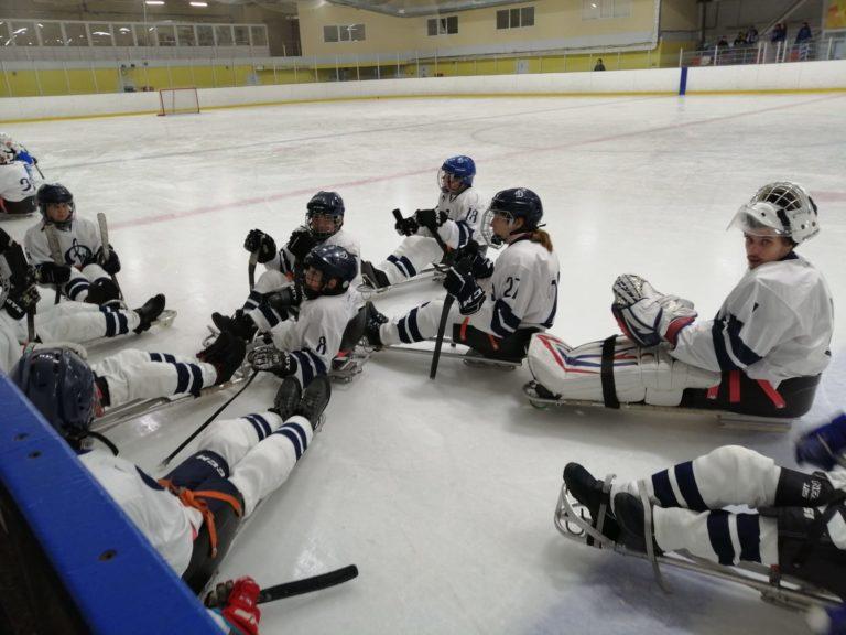 Праздник следж-хоккея состоялся в Саратове